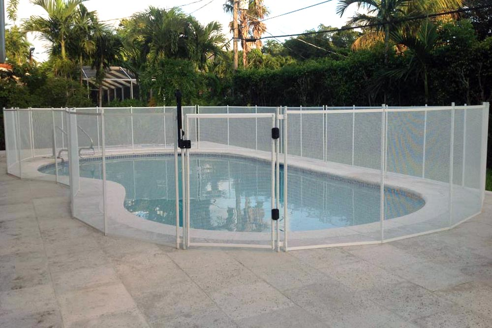 White Swimming Pool Fences - Baby Guard Pool Fence
